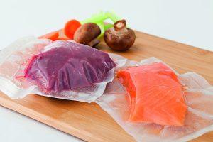Fleisch, Fisch vakuumiert in Vakuumbeutel